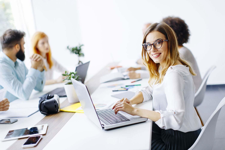 Gründer am Schreibtisch